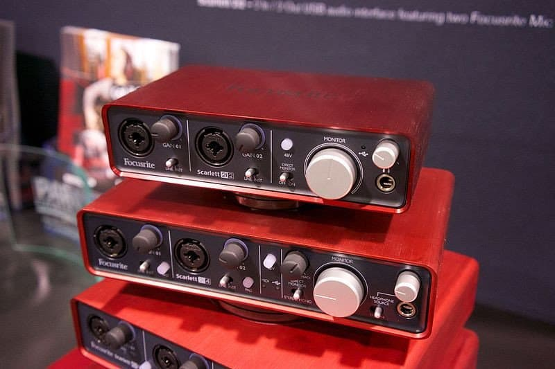 audio interface in home recording studio