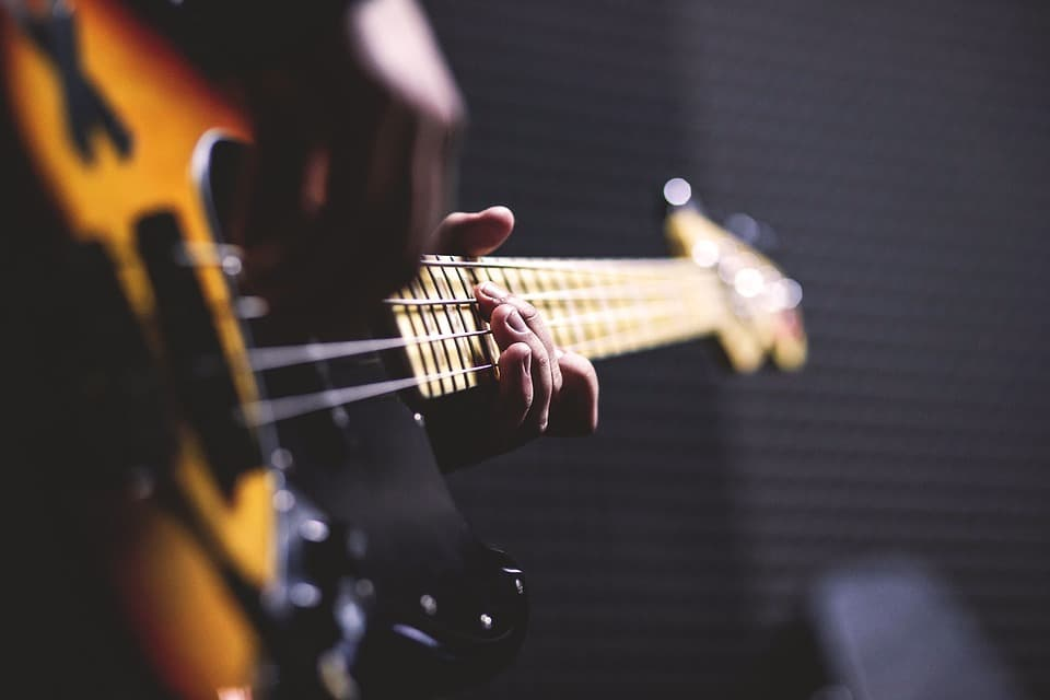 The Definitive Guide to Mixing Bass Guitar (in 7 Simple Steps)